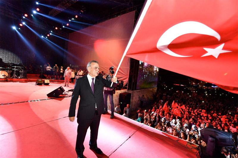 CHP'ye büyük şok! Aziz Kocaoğlu İzmir'i bırakıyor...