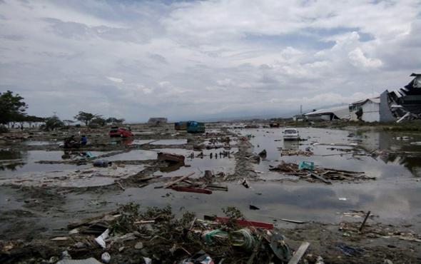 Endonezya'yı vuran tsunamiden şok firar!