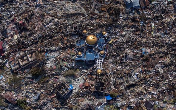 Endonezya'da depremin bilançosu artıyor!