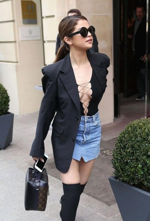 Selena Gomez hastaneye kaldırıldı! Psikolojisi hiç iyi değil - Sayfa 1