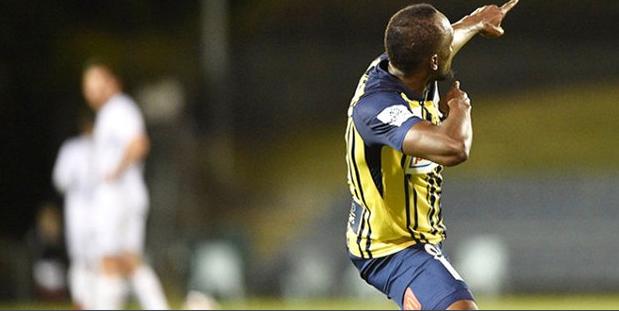 Usain Bolt profesyonel futbol kariyerinde ilk gollerini attı! Efsane hareketini yaptı - Sayfa 2
