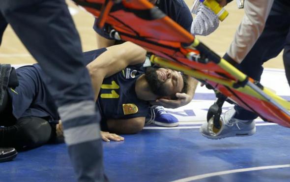 Fenerbahçe'yi şoke eden olay: Ayağı kırıldı!
