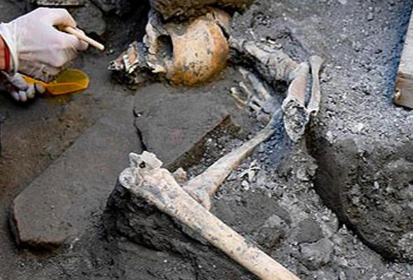 Pompeii kentinde yeni iskeletler bulundu!