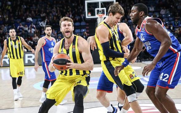 Anadolu Efes'ten müthiş geri dönüş: Fenerbahçe'yi yıktı!