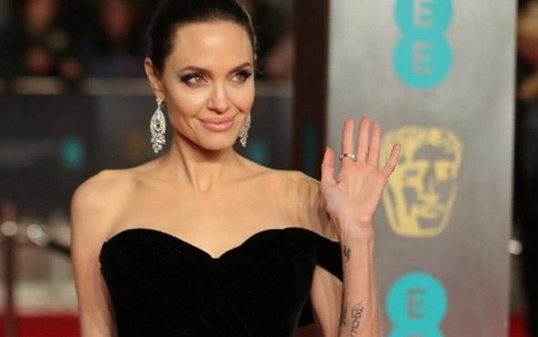 Angelina Jolie hakkında bomba iddia! Bu kadın ajandır