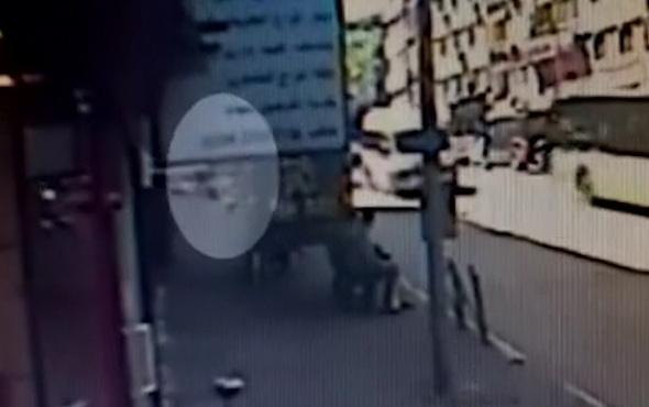 Öldürülen gencin ailesi katil zanlısı travestinin avukatına tepki gösterdi
