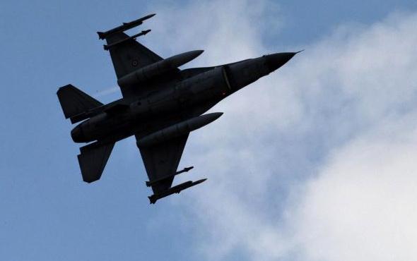 Havadan bomba yağdı 9 terörist öldü!
