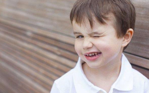 Çocuklarda tik 1 yıldan fazla sürüyorsa dikkat etmenizde fayda var