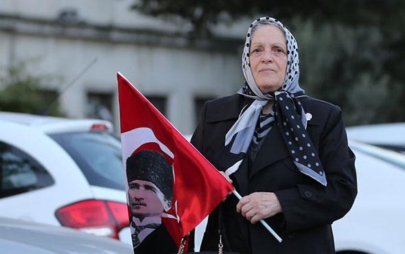 Saat 09:05'te hayat durdu! İşte Türkiye'den 10 Kasım görüntüleri