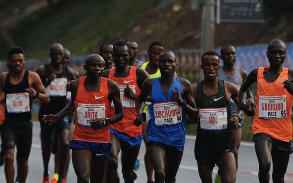 İstanbul Maratonu'nun erkek ve kadın birincileri rekorla bitirdi!