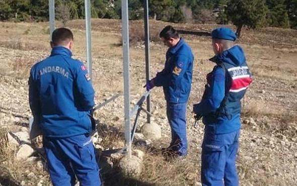 Denizli'de hırsızlar elektrik direklerini dadandı