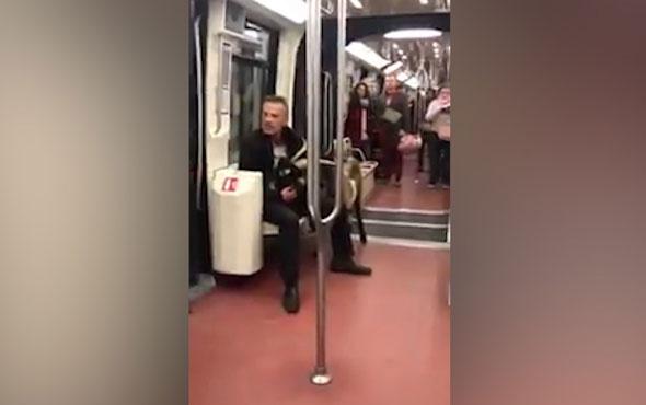 Louvre Müzesi'nin bahçesinden çaldığı keçiyle metroya bindi!