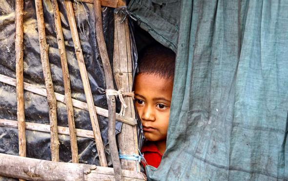 Bangladeş'ten geri dönüş kararı Arakanlı müslümanları göndermeyecek