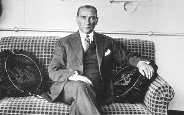Atatürk şiirleri 10 Kasım kısa 3 kıtalık şiirler ekranı