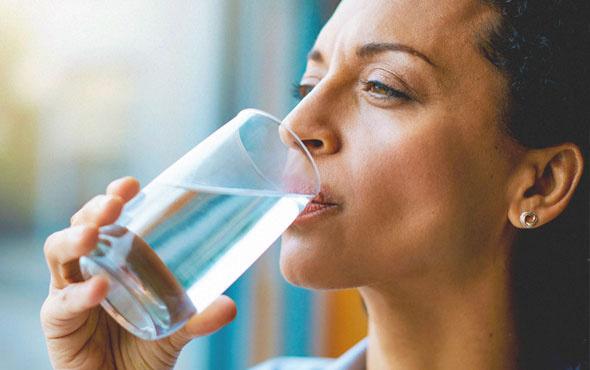 Gerektiğinden fazla su içmenin zararları var mıdır?