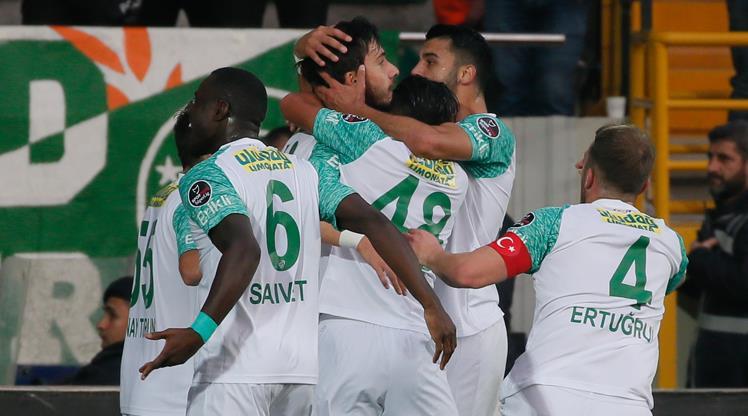 Bursaspor'dan Akhisar karşısında müthiş geri dönüş!