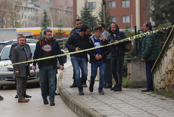 Okul önünde dehşet bir öğrenci vuruldu okul kana bulandı