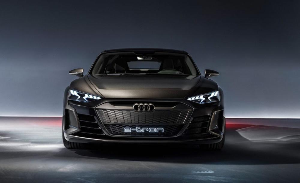 Audi yeni elektronik aracıyla Tesla'ya rakip olacak - Sayfa 4