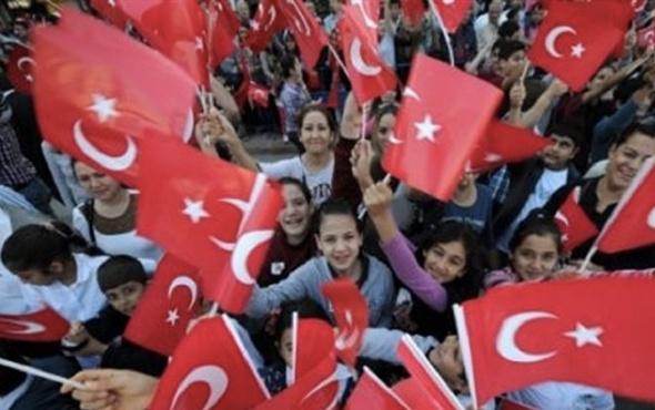 Atatürk ile ilgili 3 kıtalık şiirler en duygusal Atatürk sözleri