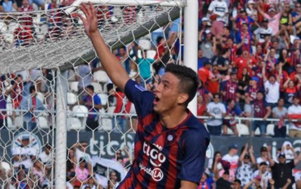14 yaşındaki futbolcu Paraguay'daki derbide gol attı