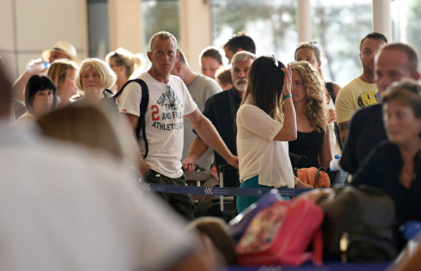 10 ayda 12 milyon turist Antalya'ya geldi