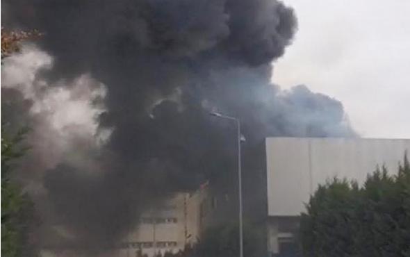Gebze'de fabrika çatısında yangın
