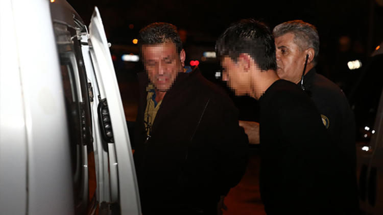Adana'da yakalanan oğlu için polisleri ezmek istedi