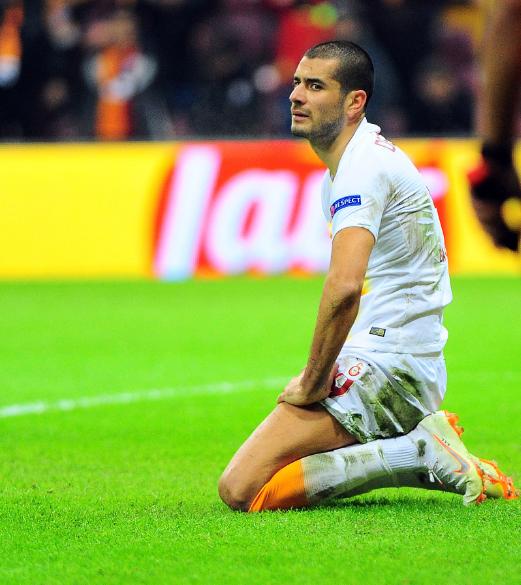 Fatih Terim kaçan gollerin ardından çılgına döndü
