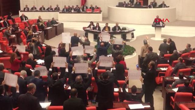 TBMM'de istifa protestosu gerilimi