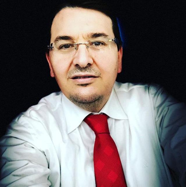 CNN Türk ünlü spiker ile yollarını ayırdı! 'Kovuldum'