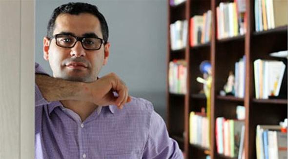 Özgür Demirtaş'tan Enver Aysever'e kapak
