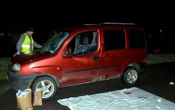 Hamile kadın ve yanındaki adama araç içinde korkunç infaz