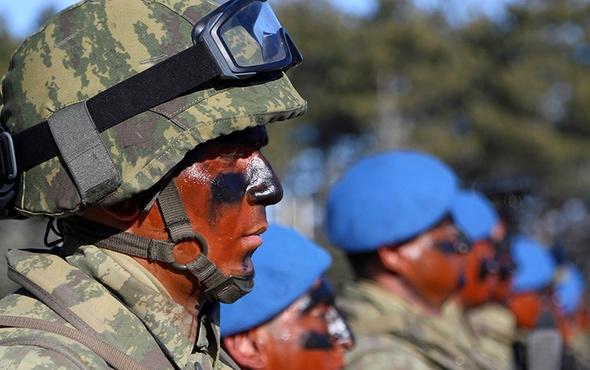 Komandolar ve askeri araçlar Kilis'e gitti