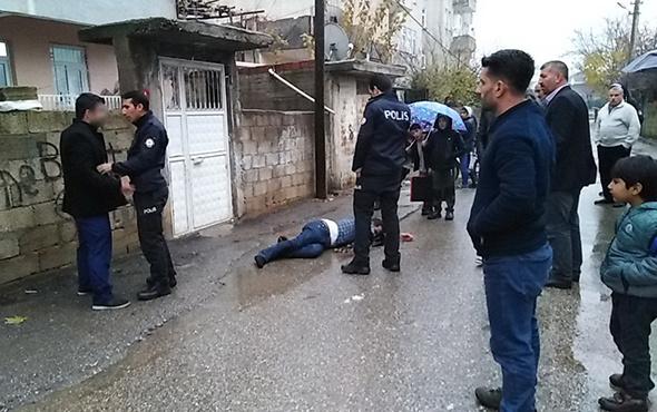 Taciz iddiasıyla meydan dayağı yedi: Polis zor kurtardı!
