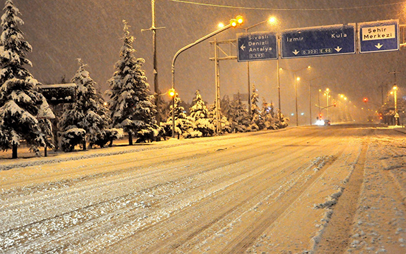 Valilikten açıklama: Uşak'ta kar tatili kararı!