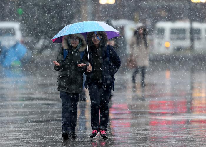 Bugün okullar tatil edildi işte valiliklerin kar tatili kararı aldığı iller listesi
