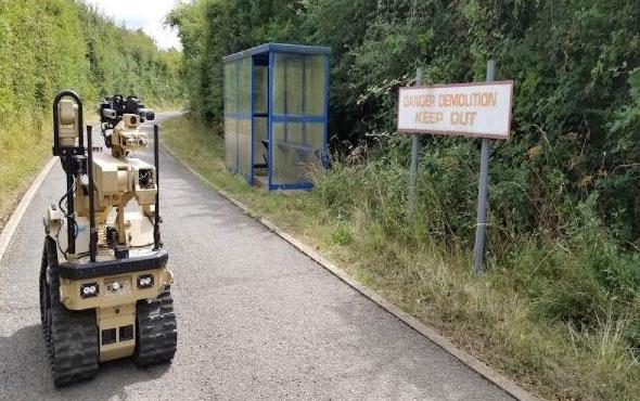 İngiltere ABD'den bomba imha uzman robotu aldı