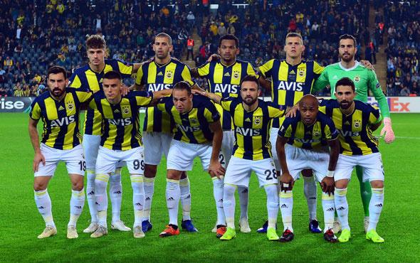 Sezon sonu Fenerbahçe'de 14 futbolcunun sözleşmesi bitiyor