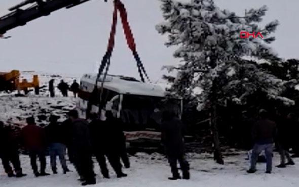 Elazığ'da midibüs devrildi 7 yaralı
