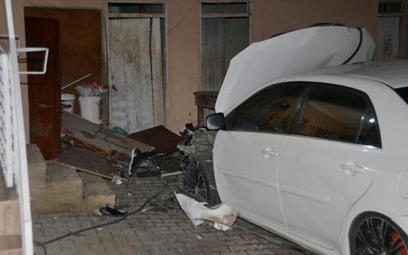 Park halindeki otomobile el yapımı patlayıcıyla saldırı