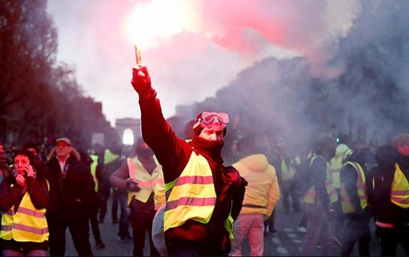 Macron'dan protestocular için yeni hamle