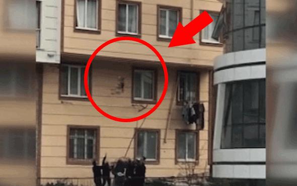 Camdan düşen çocuğu vatandaşlar böyle yakaladı!