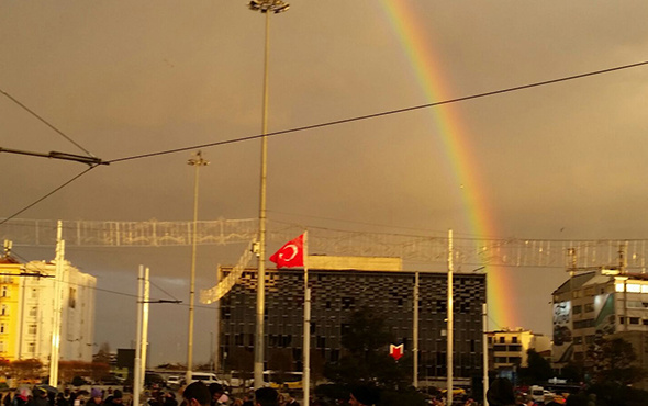 Muhteşem görüntüler: İstanbul'da gökkuşağı sürprizi!