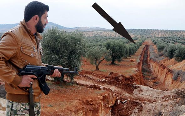 Afrin'de inanılmaz görüntü içinden arazi araçları geçiyor