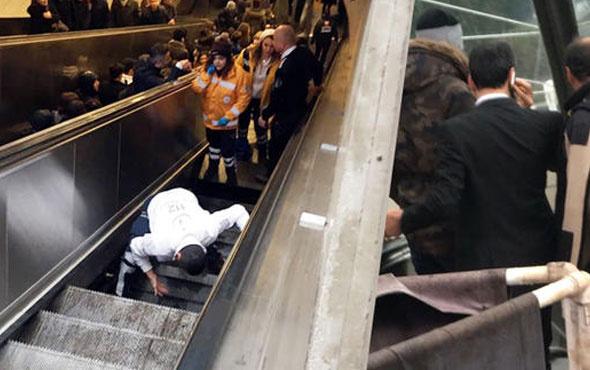 Yürüyen merdiven çöktü! Bir kişi içine düştü