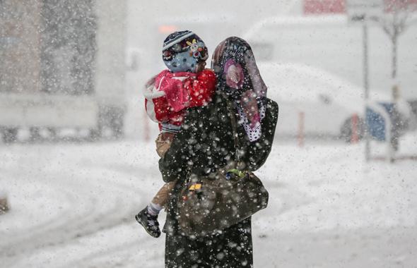 Sakarya'da yoğun kar yağışı! Okullar tatil mi?