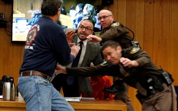 Cinsel tacizle suçlanan Larry Nassar mahkemede saldırıya uğradı