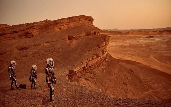 İnsanoğlunu Mars'ta neler bekliyor ?
