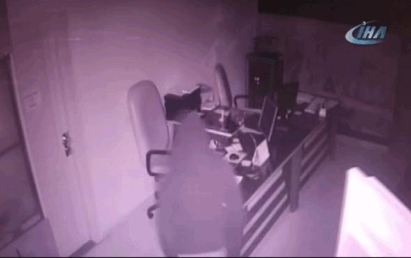 Hırsızlık zanlıları 32 saatlik güvenlik kamera kayıtları incelenerek yakalandı