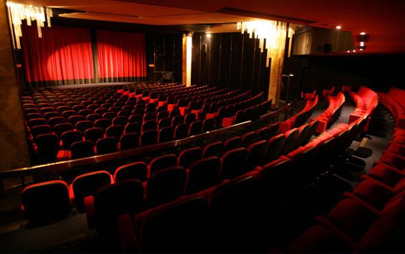 Dunya Tiyatrolar Gunu Siirleri Uzun Kisa 27 Mart Siirleri Sayfasi